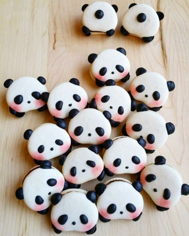 cute-panda-macaroons-melly-eats-world-19