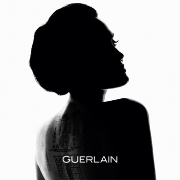 angelina-jolie-guerlain-promo